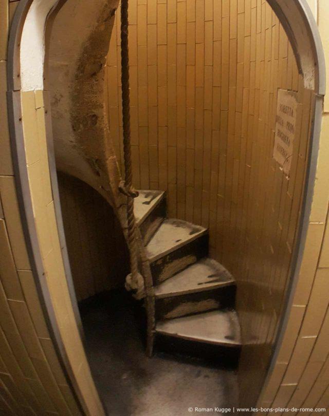 escalier coupole colimaçon.jpg