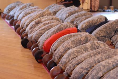 muslim_ussoldiers_praying_1.jpgw590.jpg