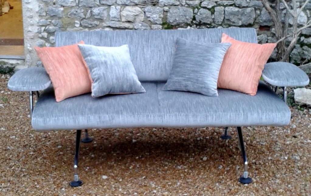 le mobilier design ou moderne atelier tapissier emmanuelle gougis chartres. Black Bedroom Furniture Sets. Home Design Ideas