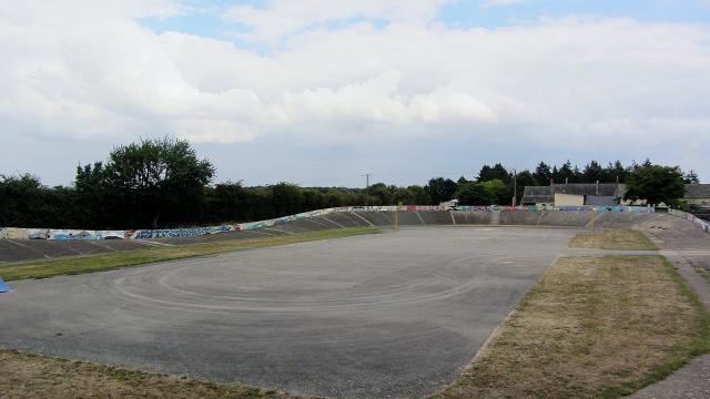 Vélodrome Noyant.jpg