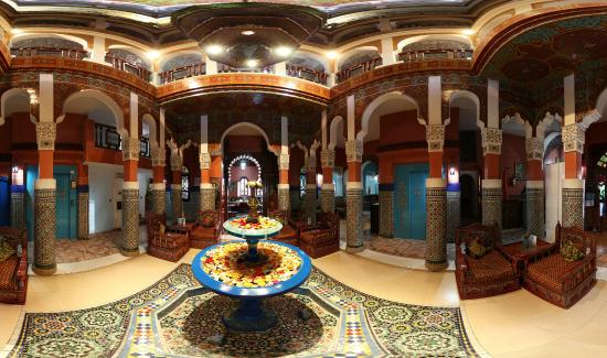 moroccan-house-hotel.jpg