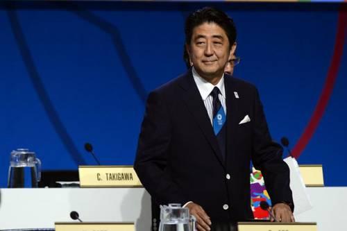 548065-le-premier-ministre-japonais-shinzo-abe-apres-l-annonce-du-cio-de-confier-a-tokyo-les-jeux-olympique.jpg