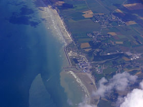 280px-Penly_nuclear_power_plant_and_villages_around_-_aerial_view.jpg