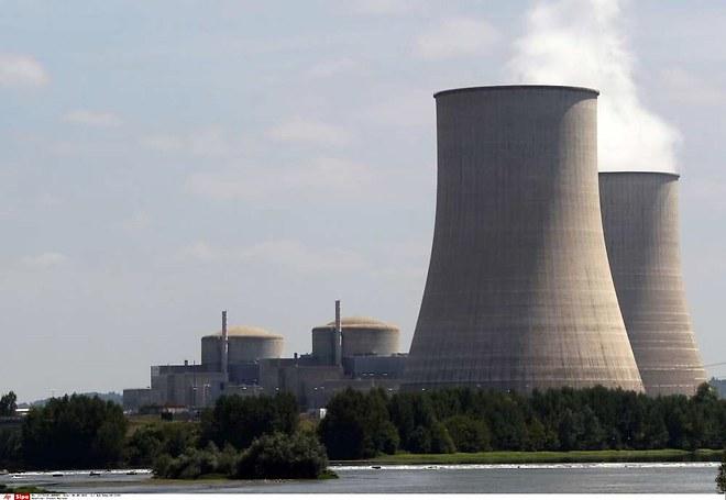 1199159_la-renovation-des-centrales-nucleaires-inquiete-la-cour-des-comptes-web-tete-021686407674_660x455p.jpg