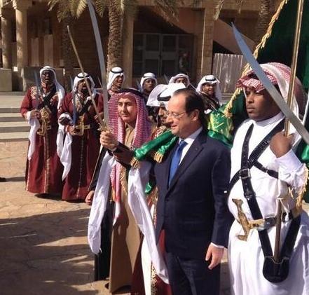 Hollande-et-le-sabre-islamique1.jpg