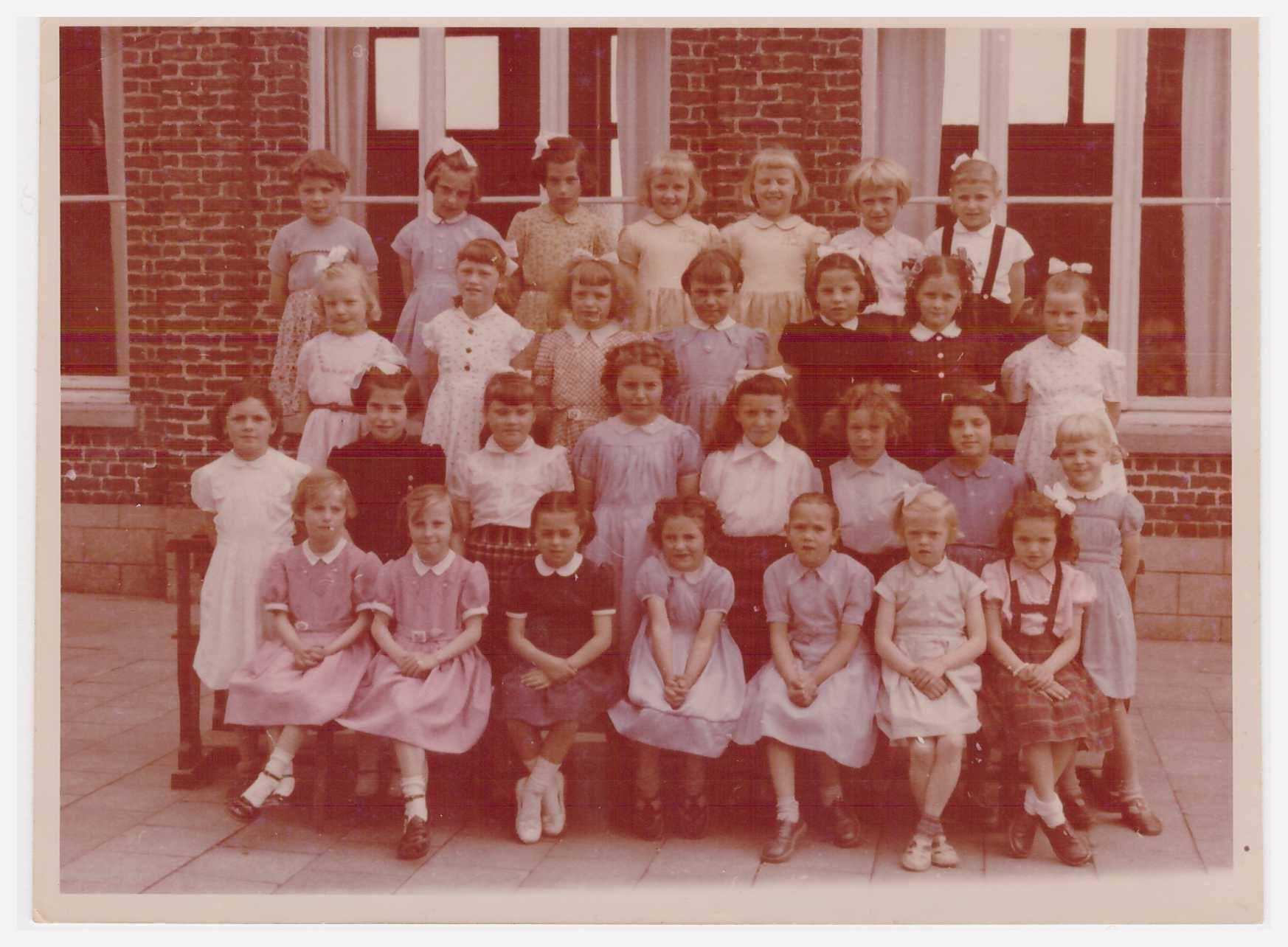 Ecole des filles Houthem 1957... - Copie.jpg