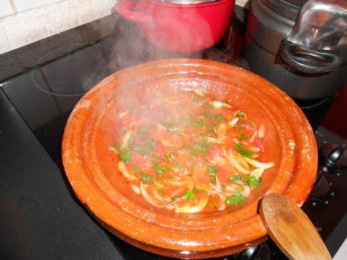 suite de tajine a la tomate et viande hache