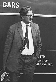 220px-Tony_Rudd_BRM_engineer_1967_NÃŒrburgring.jpg