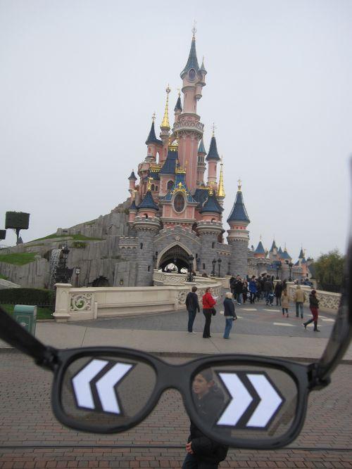 Carlos Ginzburg_L'Homme invisible (4)_Disneyland_2012