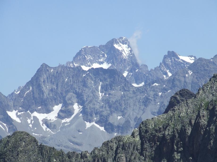 Gros plan sur la Barre et Ailefroide - Col de Val Estrèche  -  Haute route du Vieux Chaillol - 26.07.07.JPG