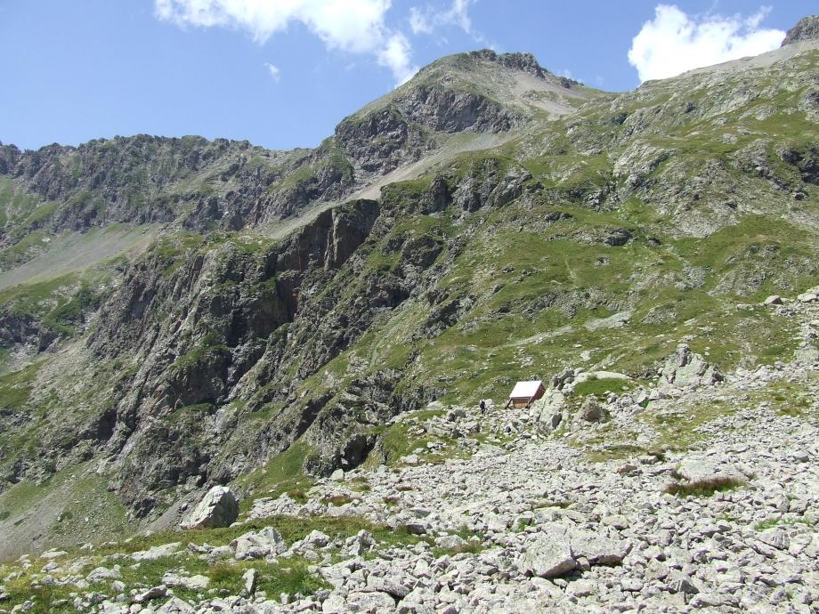 La minuscule cabane de Val Estrèche -  Haute route du Vieux Chaillol - 26.07.07 - 3.JPG
