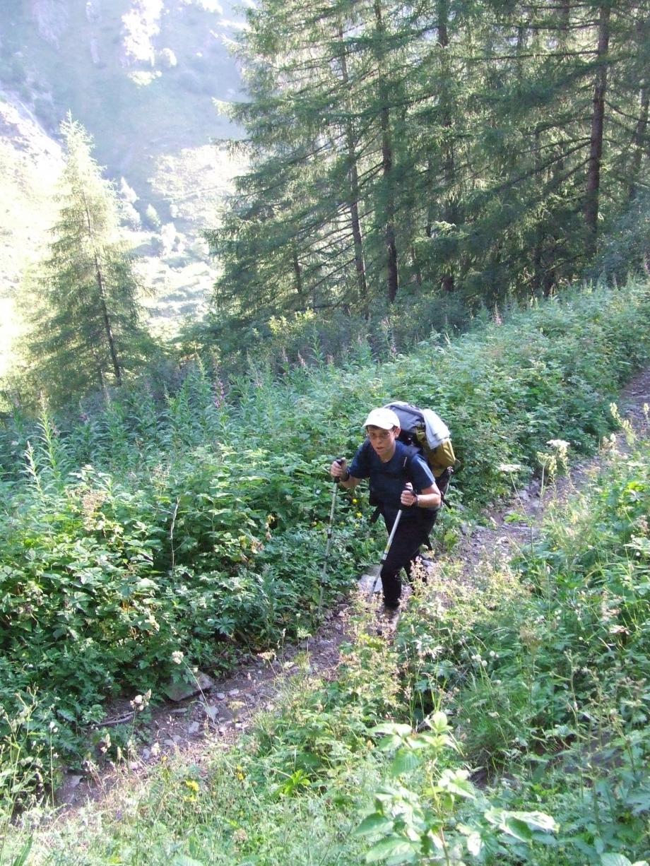 Muriel dans la montée vers Planure - Vallée du Tourond -  Haute route du Vieux Chaillol - 27.07.07.JPG