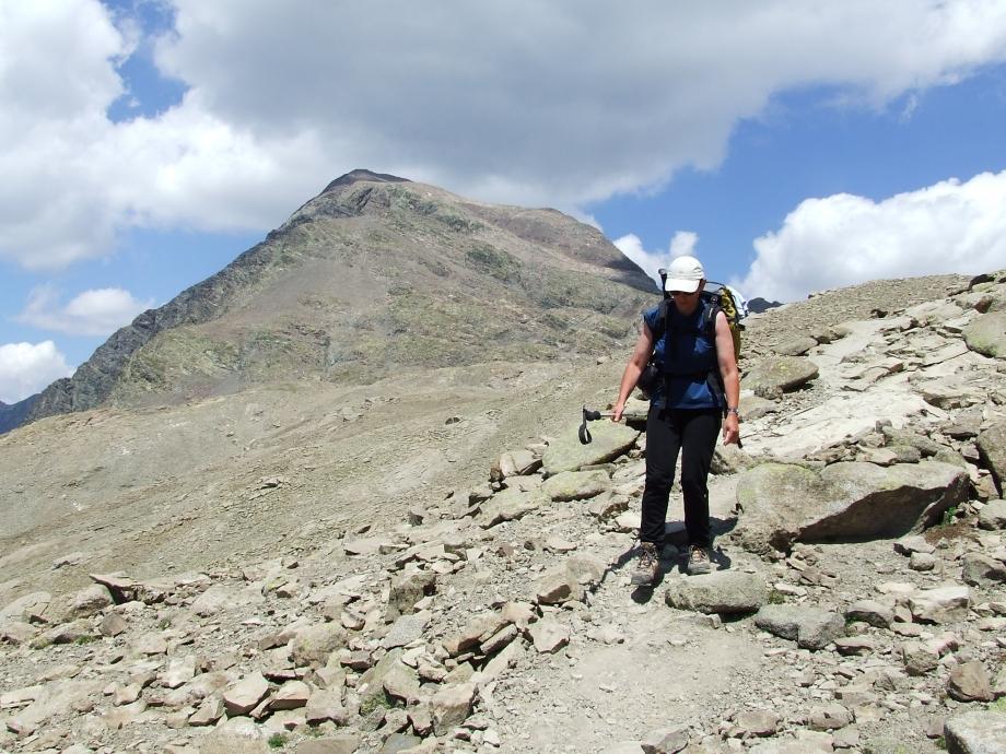 Muriel et le Vieux Chaillol - Descente vers le Col de la Pisse - Haute route du Vieux Chaillol - 27.07.07.JPG