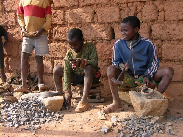 travail-des-enfants-bamako-mali.jpg