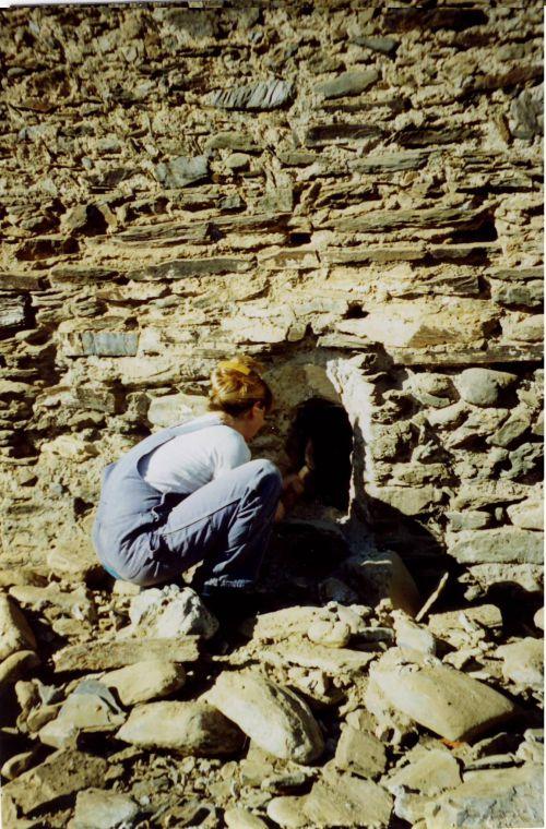 dégagement d'une fenêtre mur sud de l'abside 1998