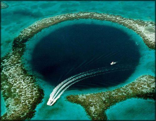 Le « Grand Trou Bleu », Belize