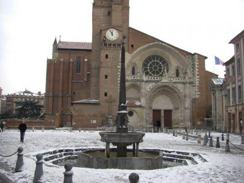 La fontaine de la place Saint-Etienne