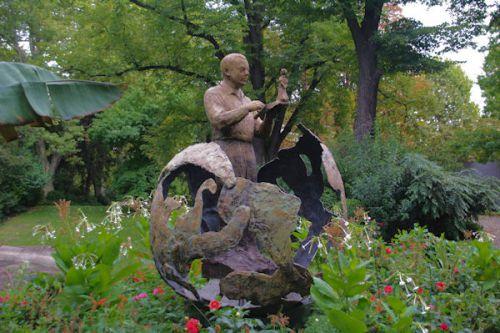 St Exupéry et son Petit Prince dans le Jardin Royal