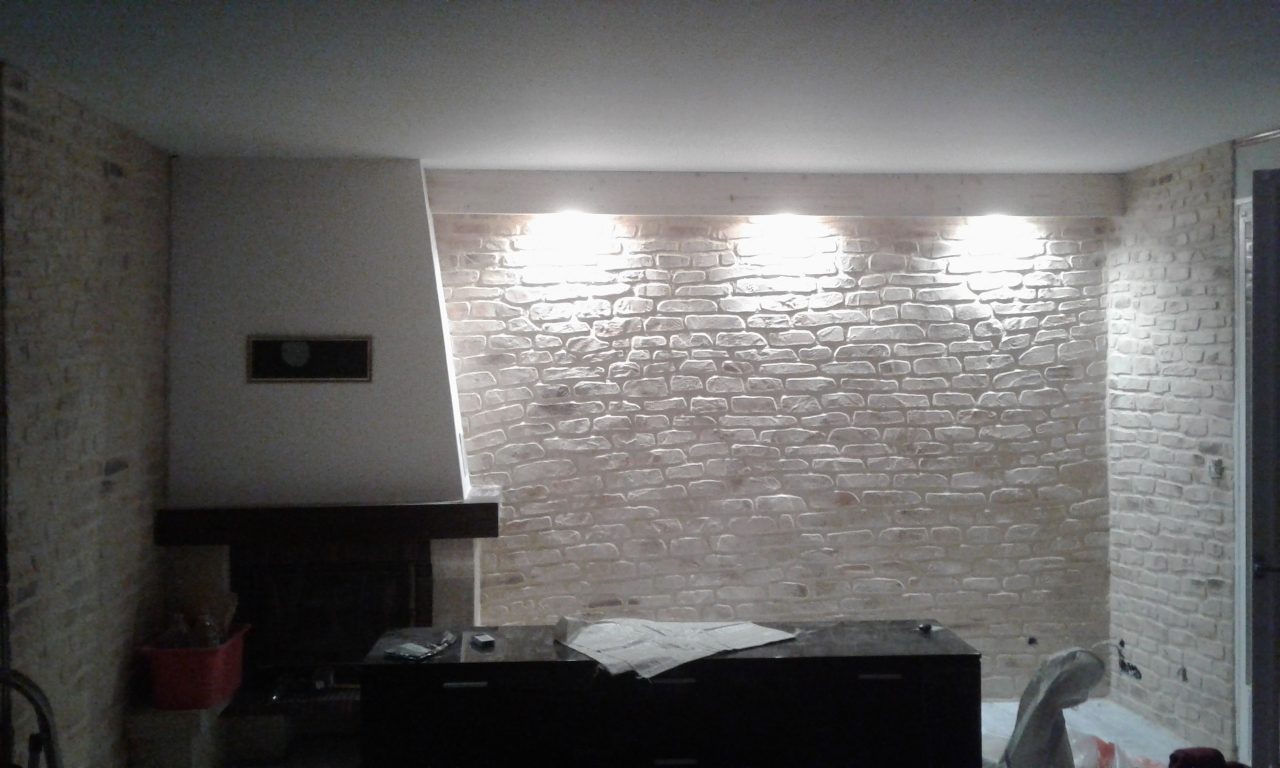 D coration en enduit pierre en int rieur btp gohier for Enduit decoratif mur interieur