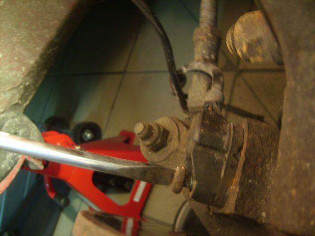 Changer un capteur d'A.B.S sur roue avant - La mécanique ...