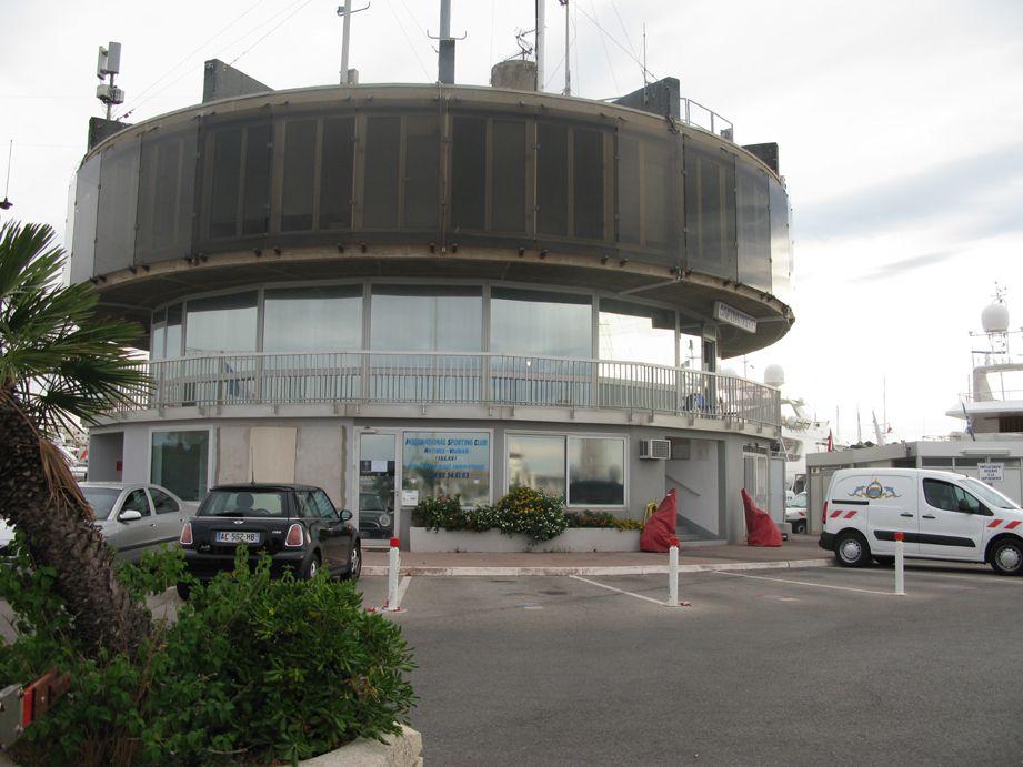 06 capitainerie du port vauban d 39 antibes par philippe leroux gpm guide de la plaisance - Port de cannes capitainerie ...