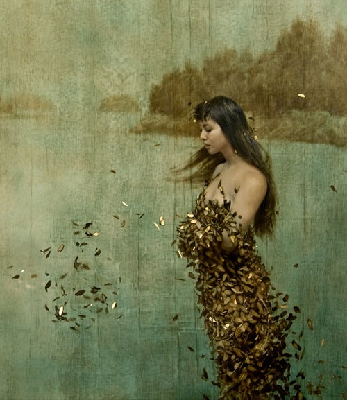 Gold-leaf-oil-painting-by-American-artist-Brad-Kunkle-9.jpg