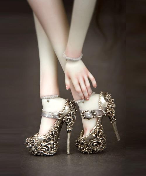 elena-shoes.jpg