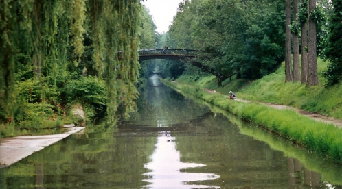 Canal_de_l'Ourcq_dans_la_Foret_de_Sevran.jpg