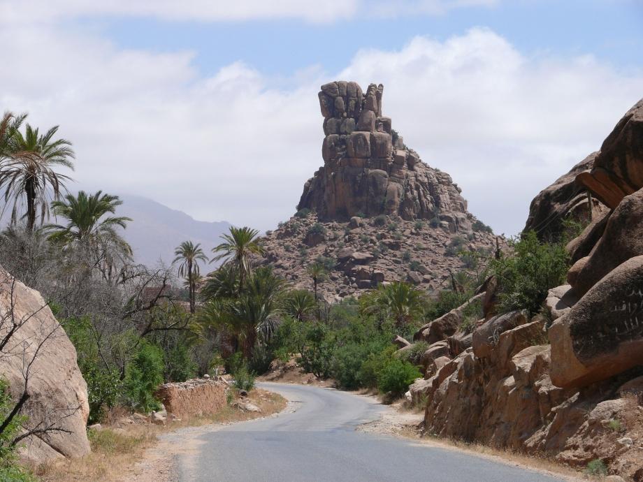 Tafraout-rocks.jpg