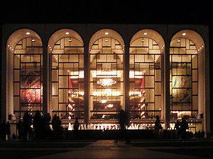 300px-Metropolitan_Opera_House_At_Lincoln_Center_2-1.jpg