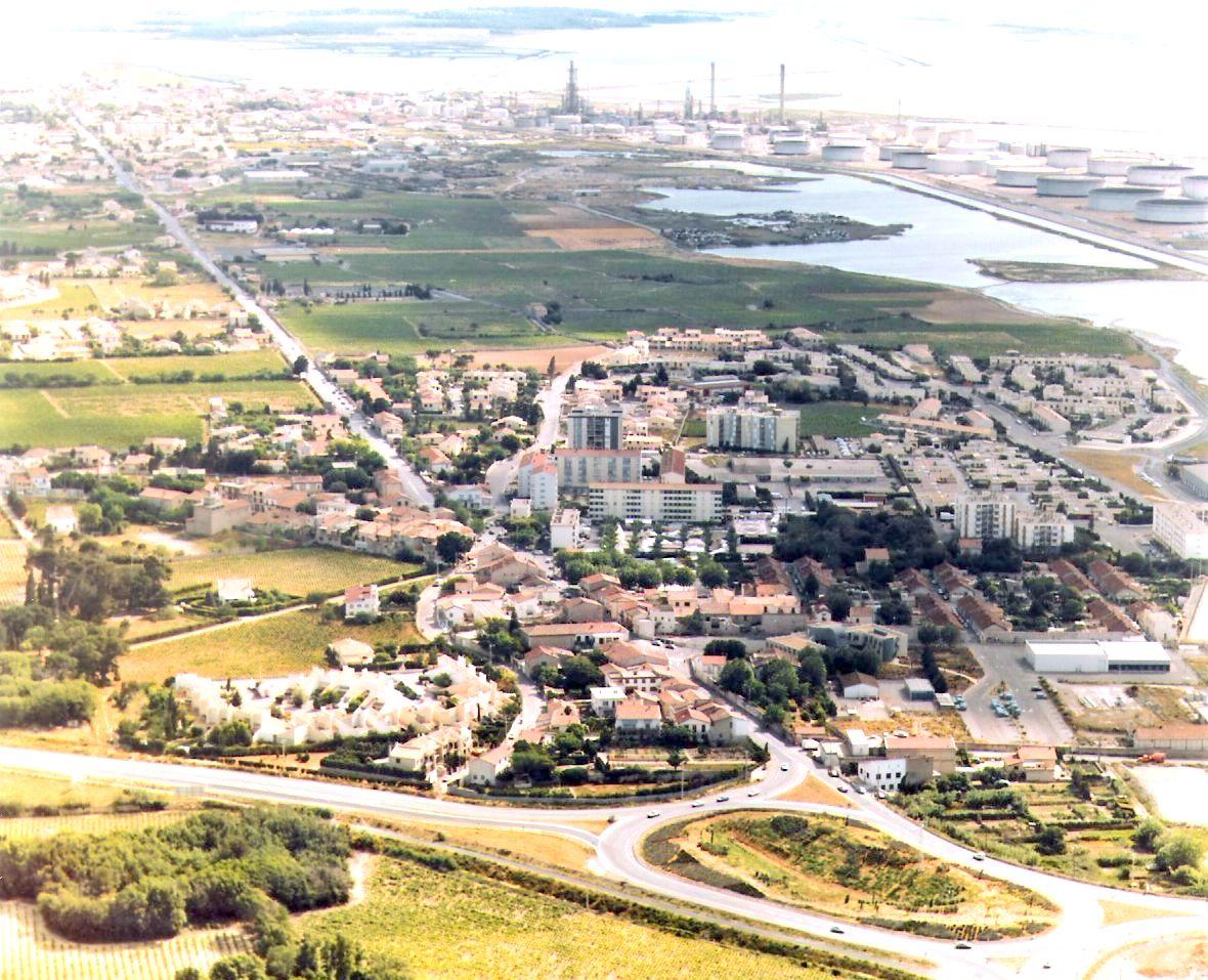1980 LA PEYRADE VUE D AVION 1980.jpg