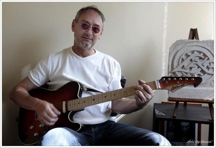 http://static.blog4ever.com/2012/09/713297/Mickael-Jones.jpg
