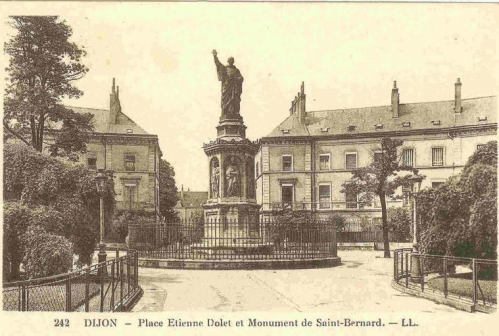 Dijon Place Saint-Bernard.jpg