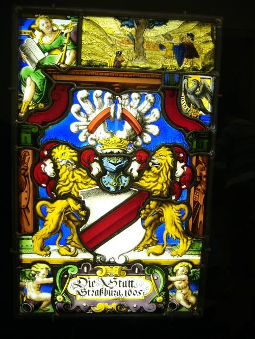 Lions et casque.JPG