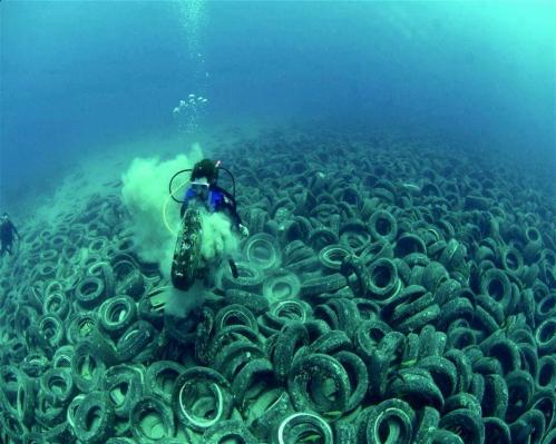 Pollution des mers.jpg