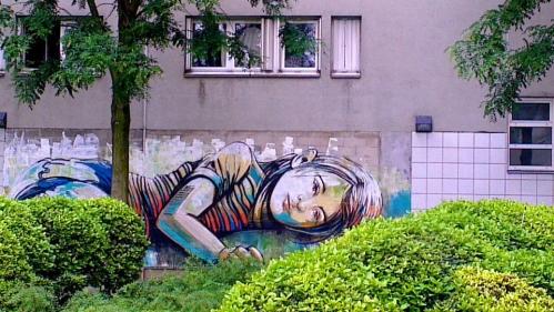 By Alice Pasquini's Art in Vitry sur Seine France.jpg