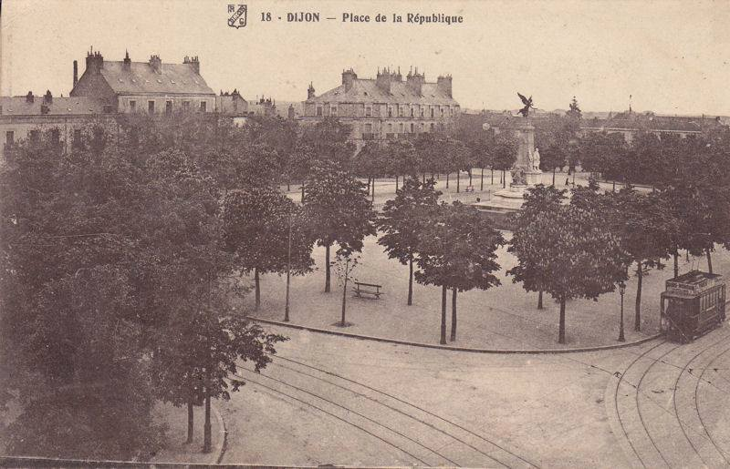 Dijon - Place de la République 01.jpg