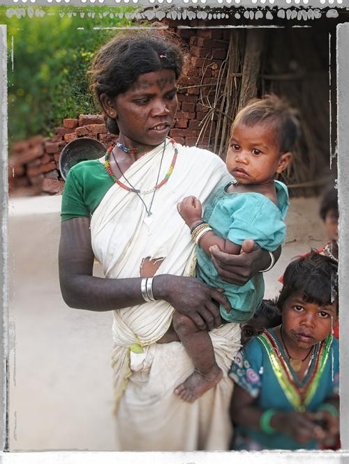 X Small AA Baiga Famille.jpg