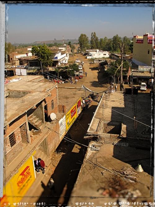 X Small AA Transversale Main road Gada.jpg