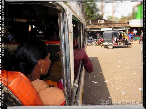 Small IMG_5964 Dans le bus à Koraput.jpg