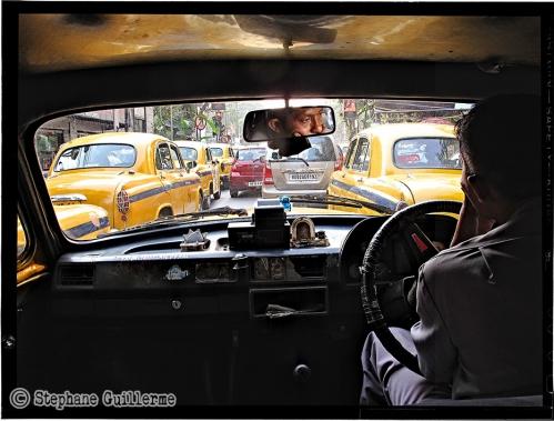 Small 12 IMG_7075 Ambassador dans le traffic.jpg
