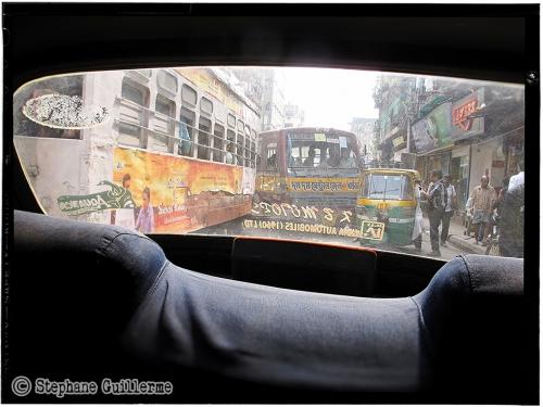 Small 14 IMG_6637 Traffic Kolkata.jpg