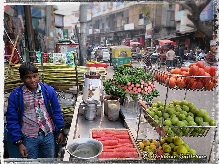 IMG_8789 Pahar ganj sugar cane Small.jpg