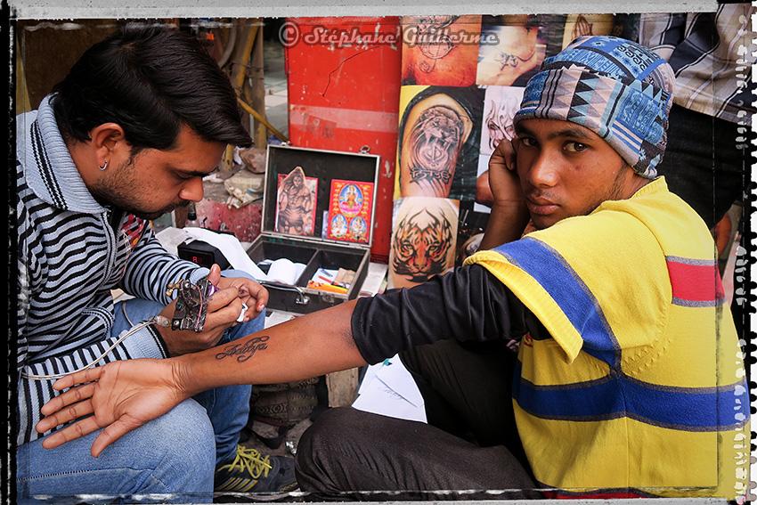 IMG_9160 Street tattooing Pahar ganj Delhi 2016 Small.jpg