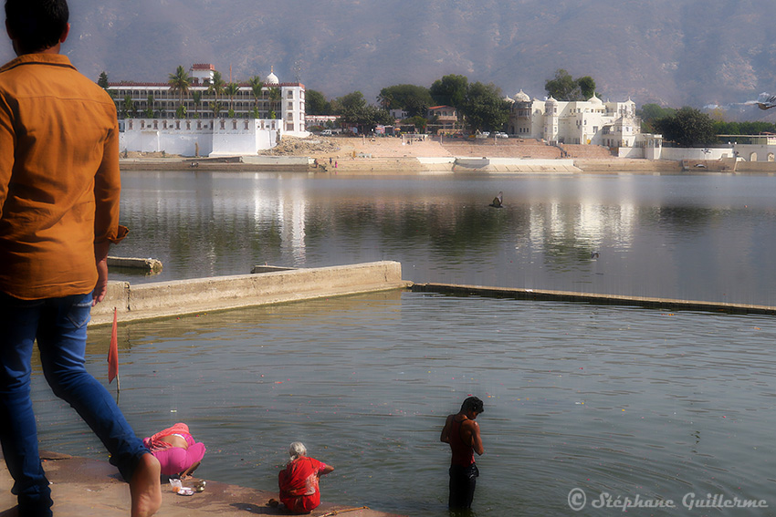IMG_0046 By the Pushkar lake SMALL.jpg