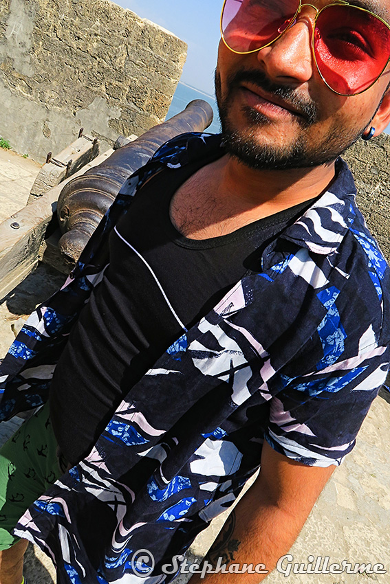 IMG_0838 Touriste gujarati Diu fort Small.jpg