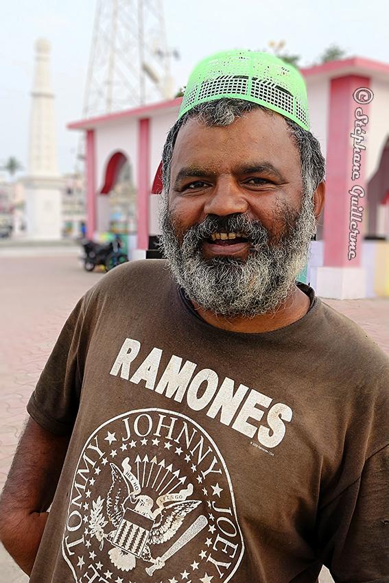 IMG_0705 Mohamed Ramones Diu town Small.jpg