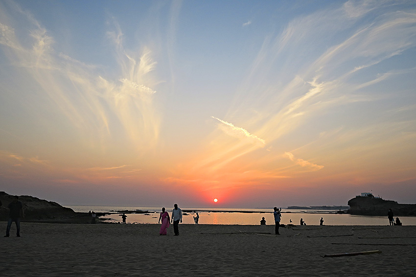IMG_1493 Sunset point Diu Small.jpg