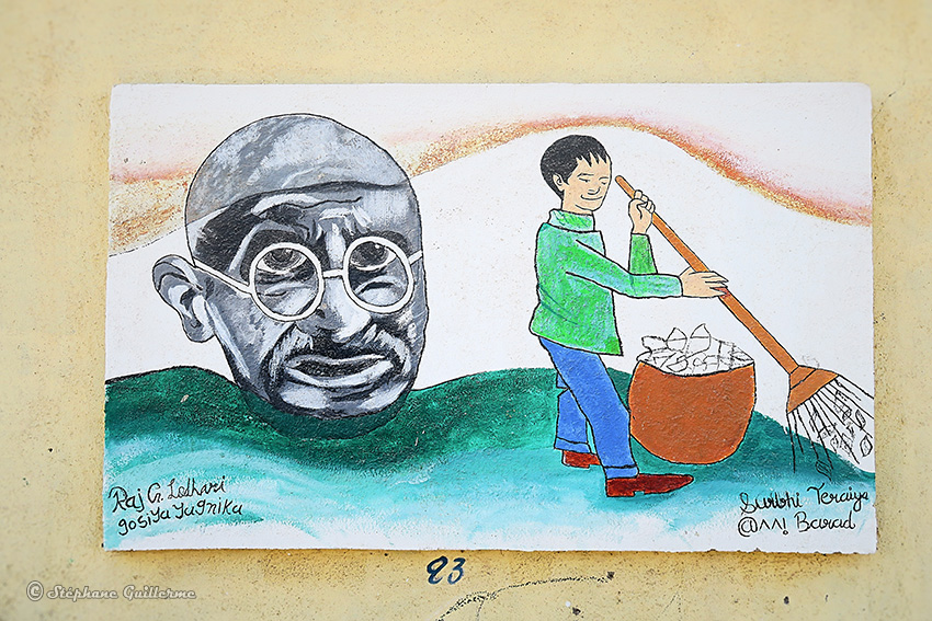 IMG_3744 Peintures murales scolaires Gandhi Porbandar Small.jpg