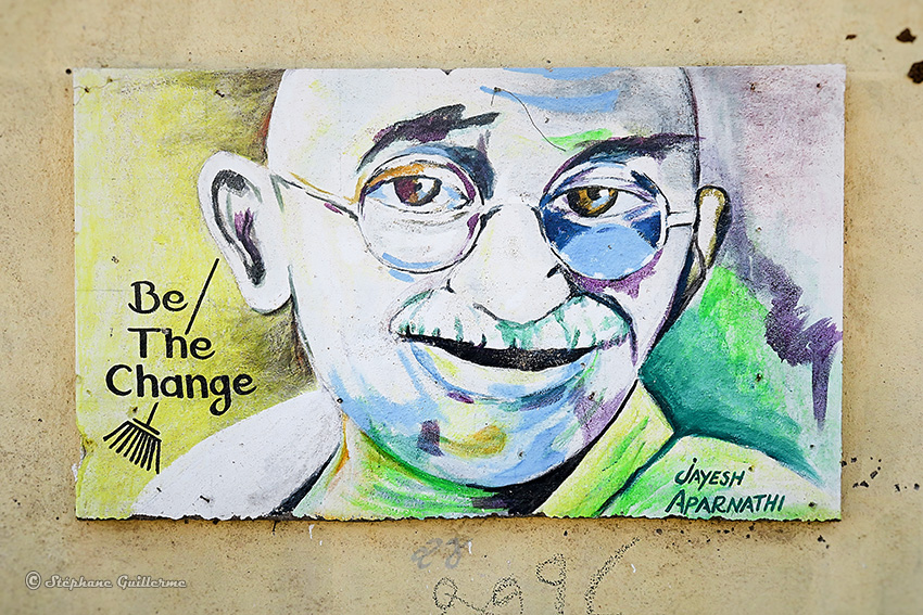 IMG_3751 Peintures murales scolaires Gandhi Porbandar Small.jpg